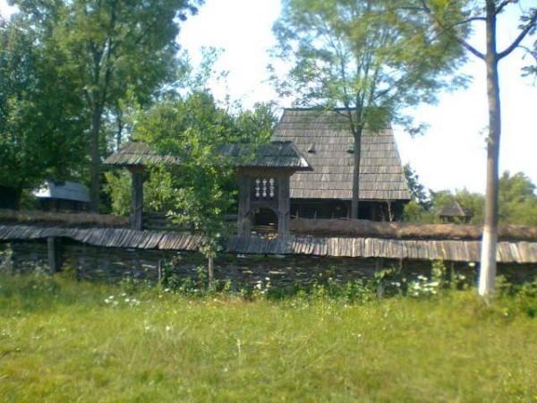 casa lemn veche