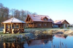 case lemn masiv