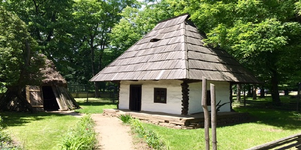 casa lemn mica